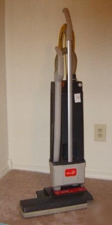 Javelin 18 Quot Sebo Windsor Versamatic Commercial Vac 1