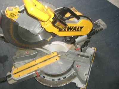 Dewalt DW718 dw 718 miter saw w  laser